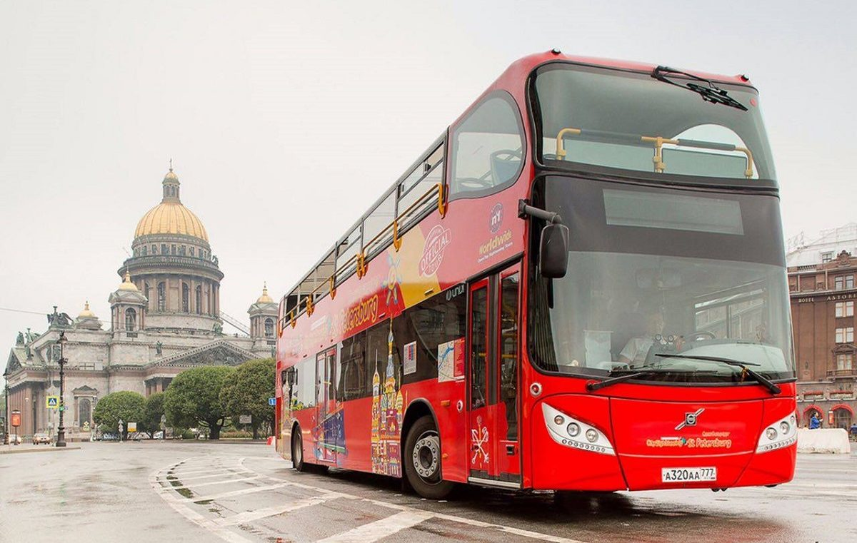 Bus tour in St.Petersburg: Hop-on Hop-off